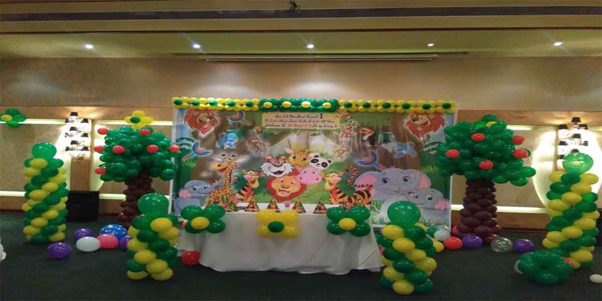 Jungle Printed Theme Decoration -