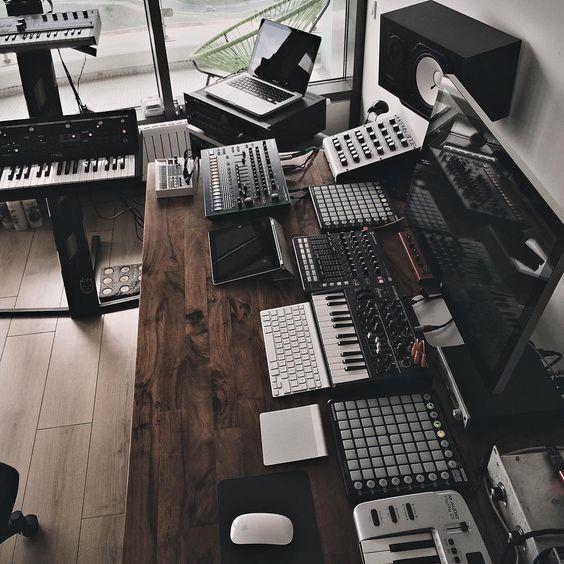 Home Music Recording Studio - Very nice by crenk