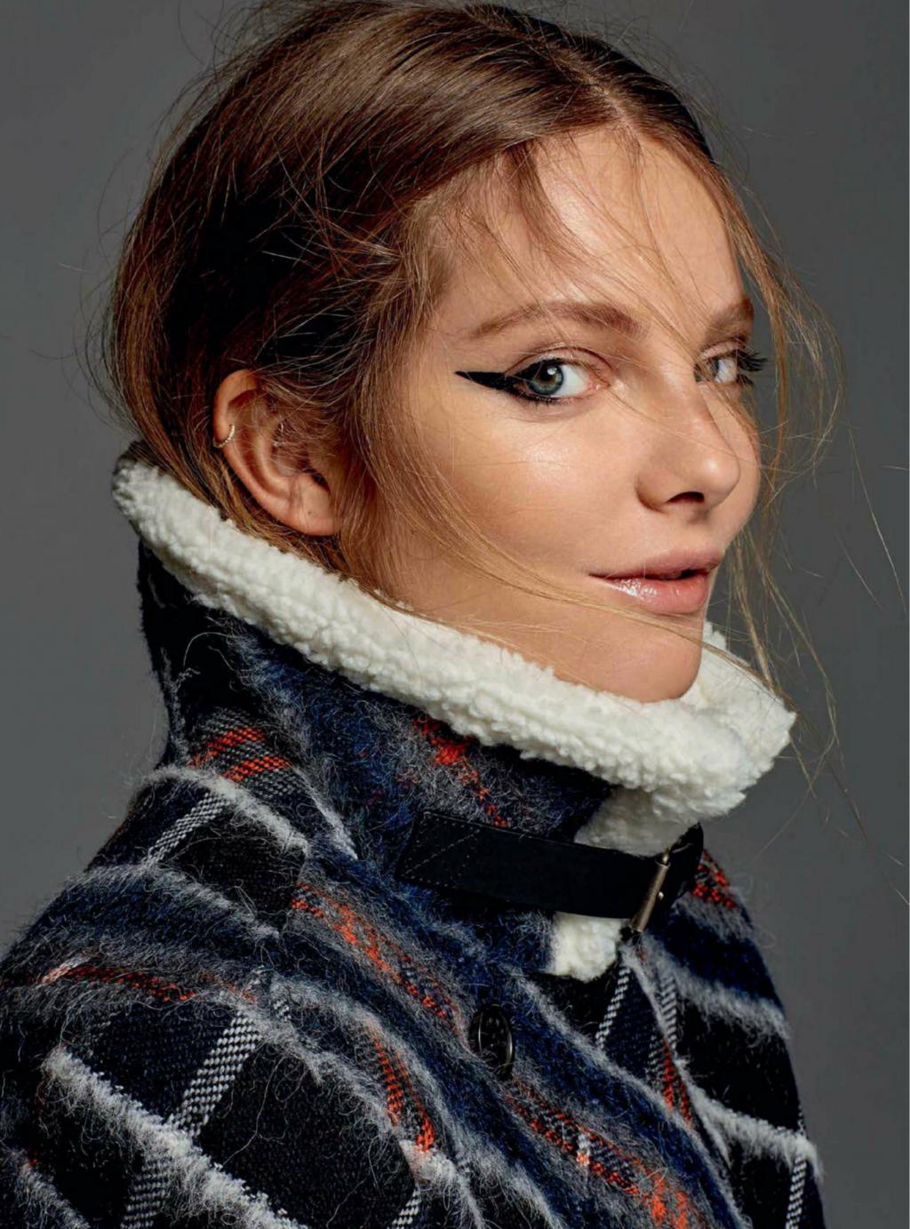Eniko Mihalik - Big Wool Jumper - Looking Hot by crenk