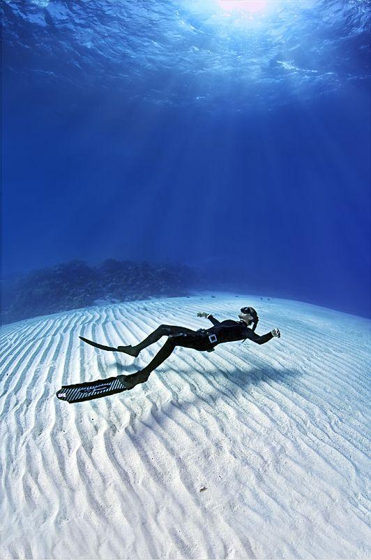 Freediving in a very relaxing way - amazing underwater view by crenk
