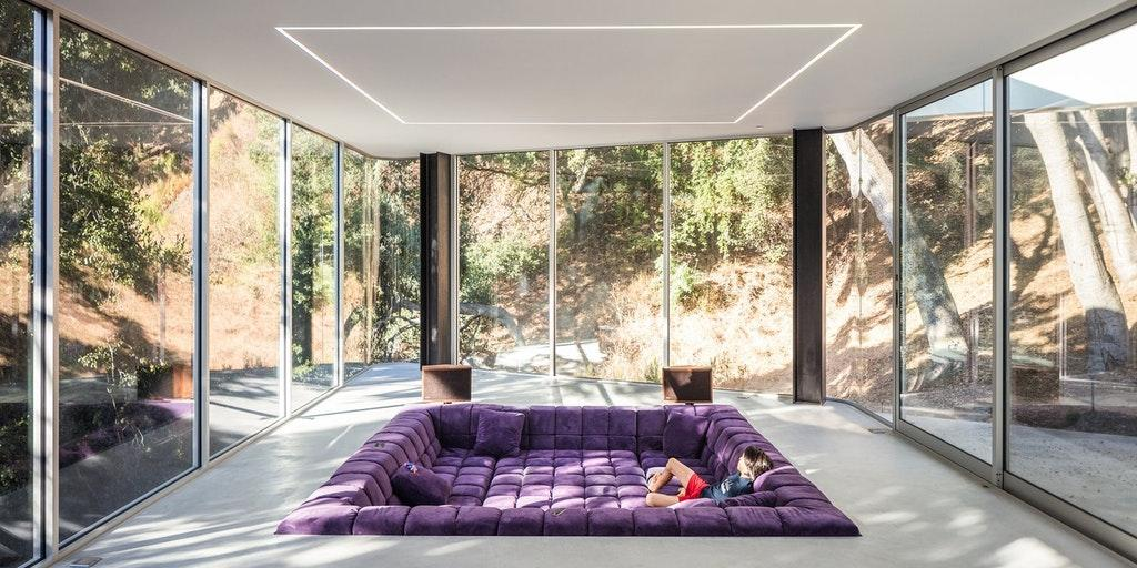 Conversation Pit in an amazing modern house by crenk