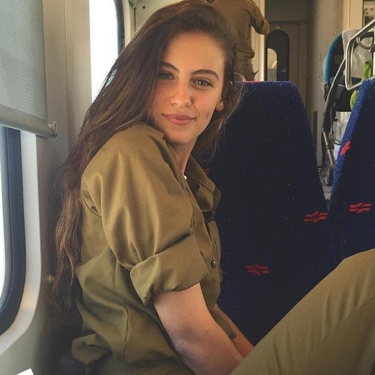 Very Cute Girl from the Israeli Army by crenk