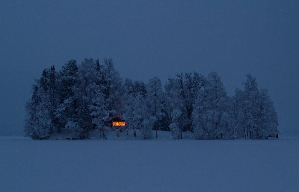 Very Cozy House - In the Woods in the Middle of Winter by crenk