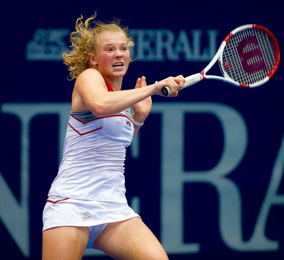 Katerina Siniakova - Hitting a Strong Forehand by crenk