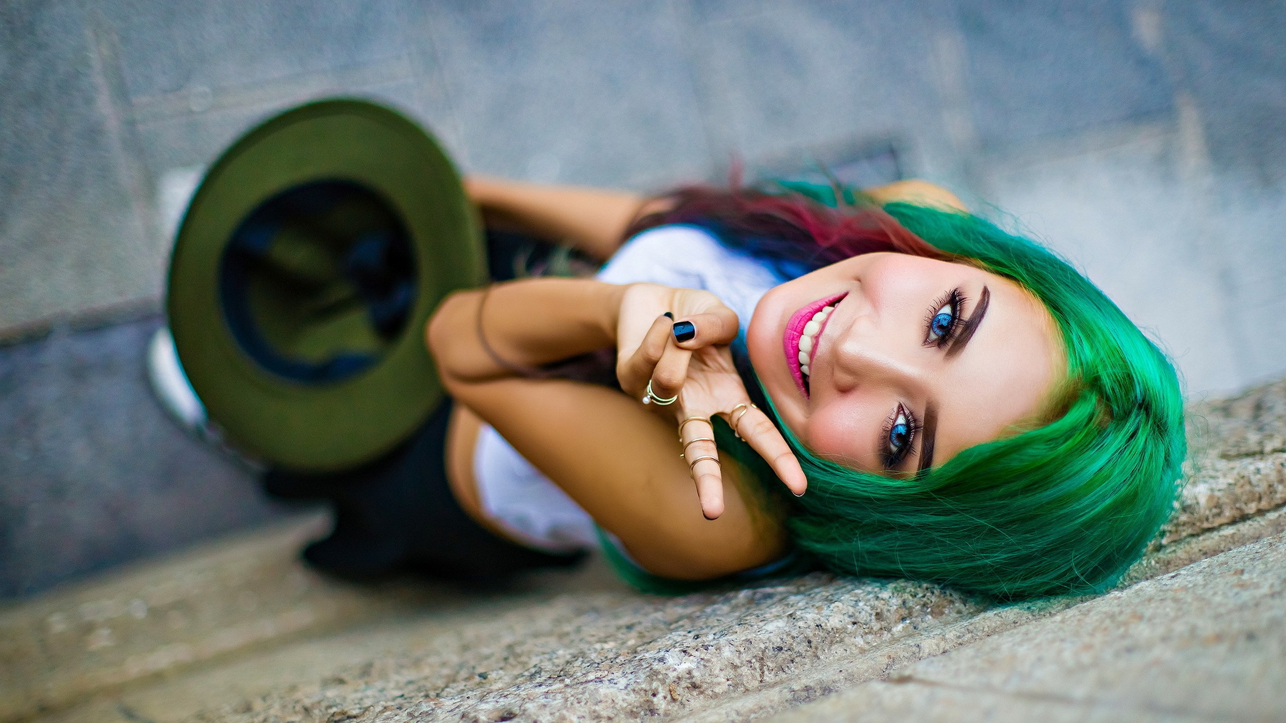 Very Cute Model with Green Hair by crenk