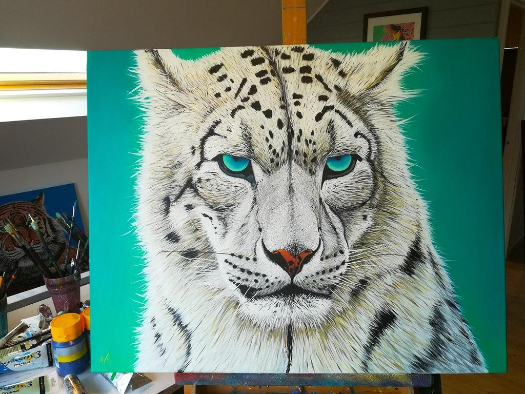 Amazing Painting of a Snow Leopard by crenk