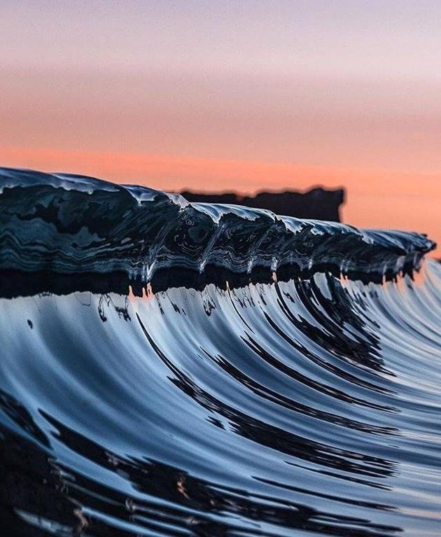Amazing Waves Photo that looks computer generated by crenk