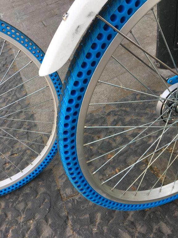 Bike with Airless Tires - Great new tech by crenk