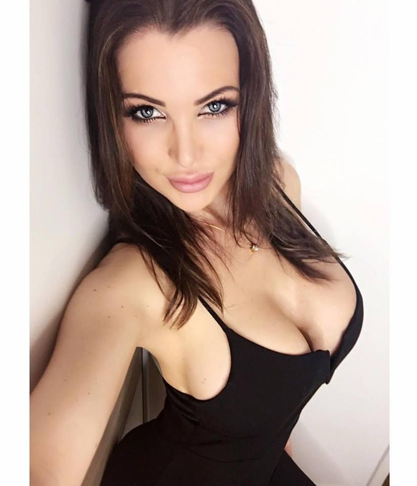 Helen De Muro - Sexy Selfie in a low cut dress by crenk