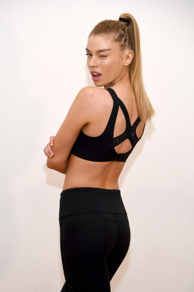 Stella Maxwell - Looking Cheeky and Hot in Activewear by crenk