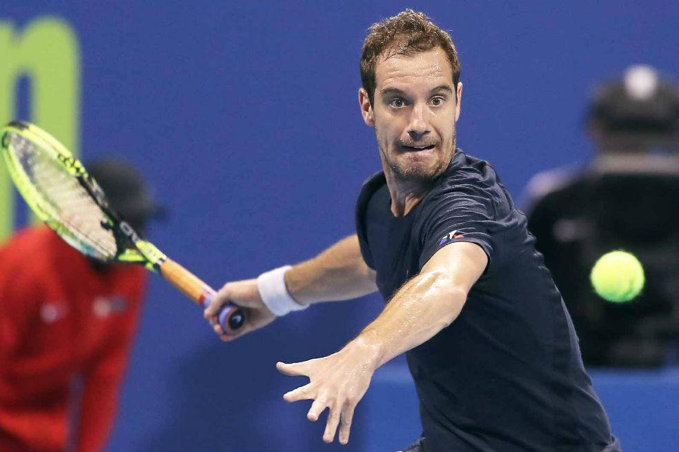 Richard Gasquet - Hitting Forehands and closely watching the ball by crenk