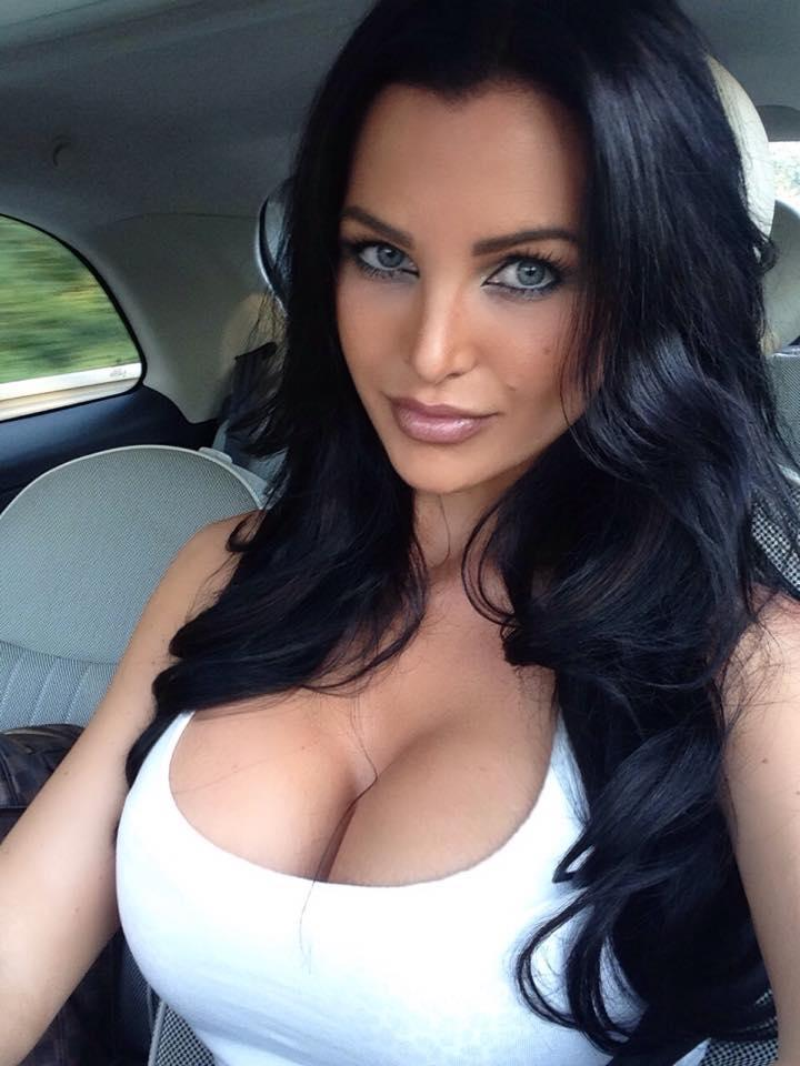 Helen De Muro - Sexy Cleavage in her Car by crenk