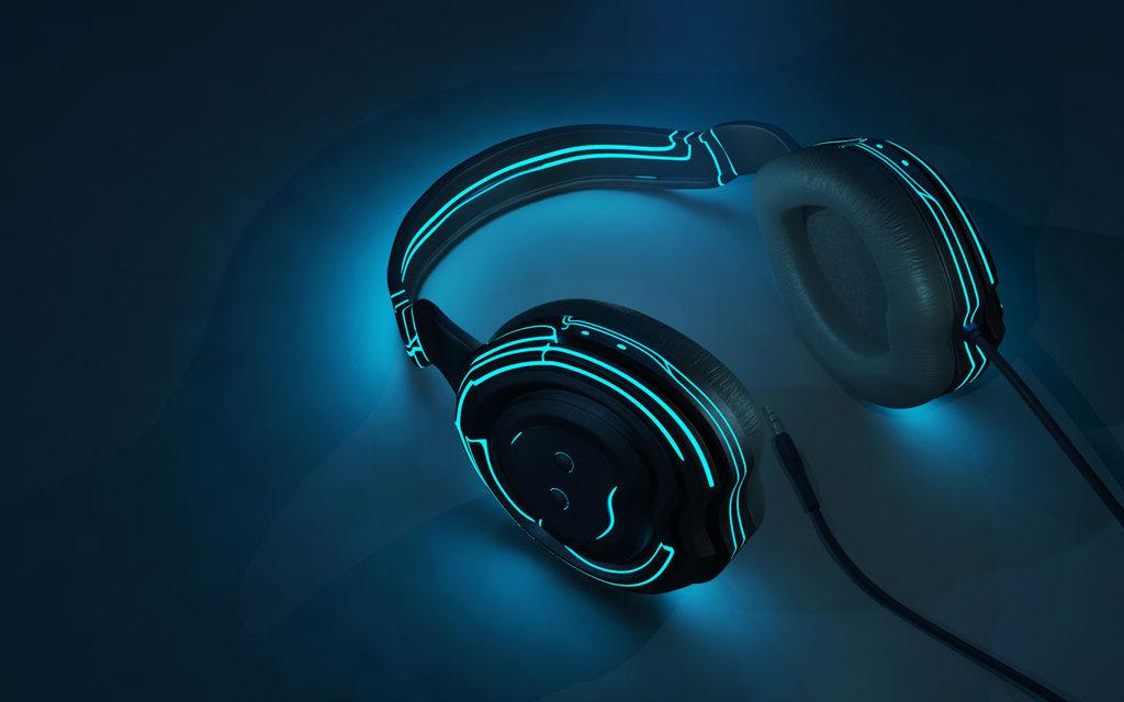 Headphones that look like they are from Tron by crenk