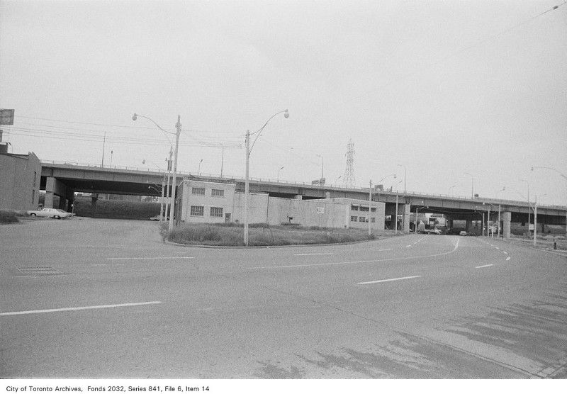 Black and white photo of 307 in the 1970s