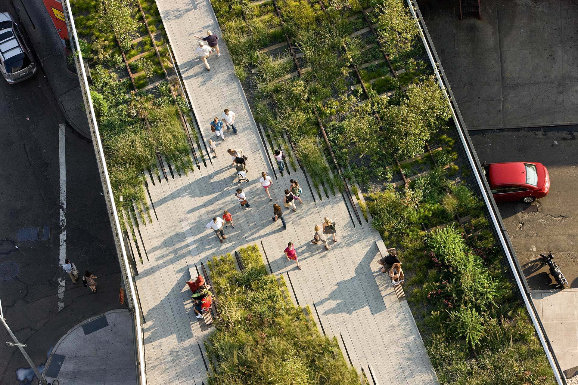 Birds' eye view of the high line