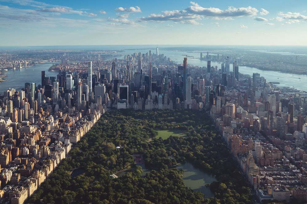 Aerial shot of NYC looking over Central Park and Manhattan
