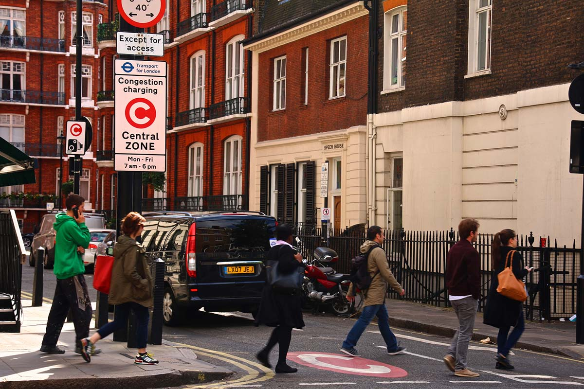 A sign demarcating a congestion zone in London