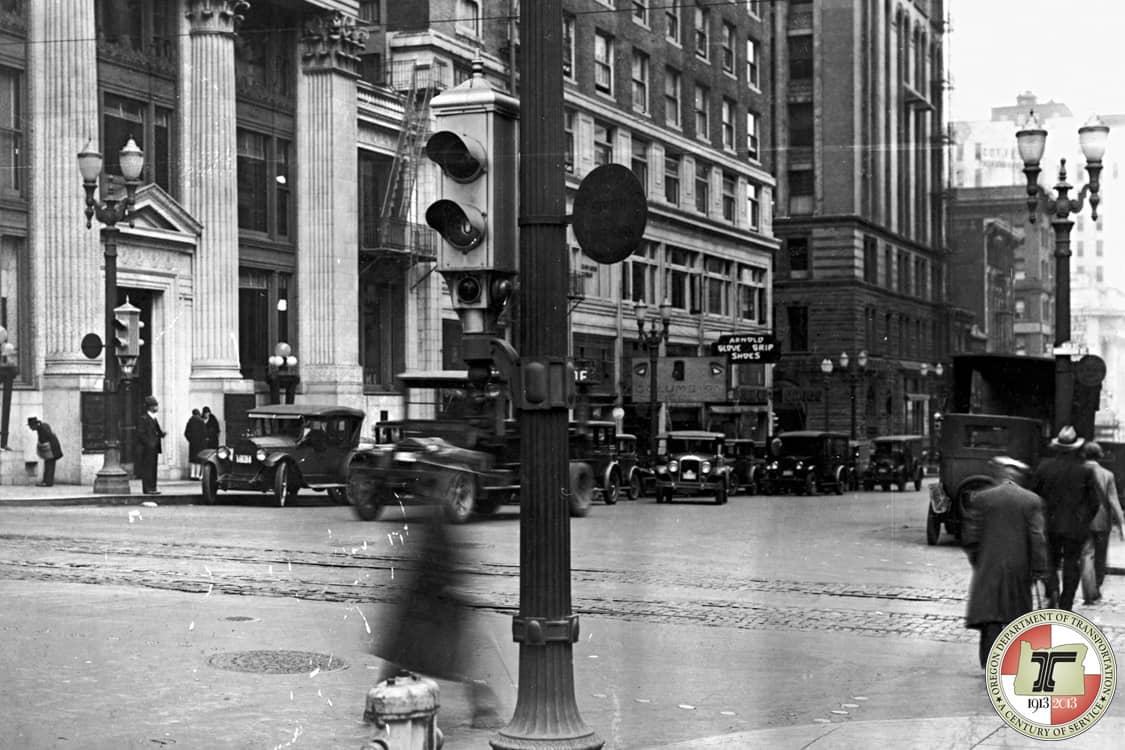Vintage photo of a traffic light