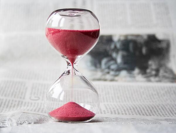 Đồng hồ cát thay thế đồng hồ nến cho thời gian chính xác hơn