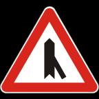 1104-1 - Križišče s priključkom neprednostne ceste na prednostno pod ostrim kotom