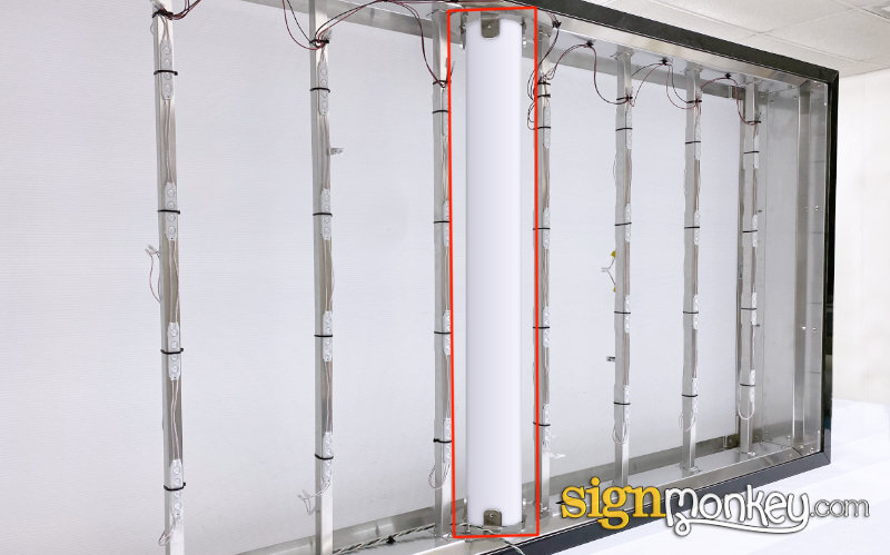 Double Face Lit Cabinet Mounting (Center Pole Mount)