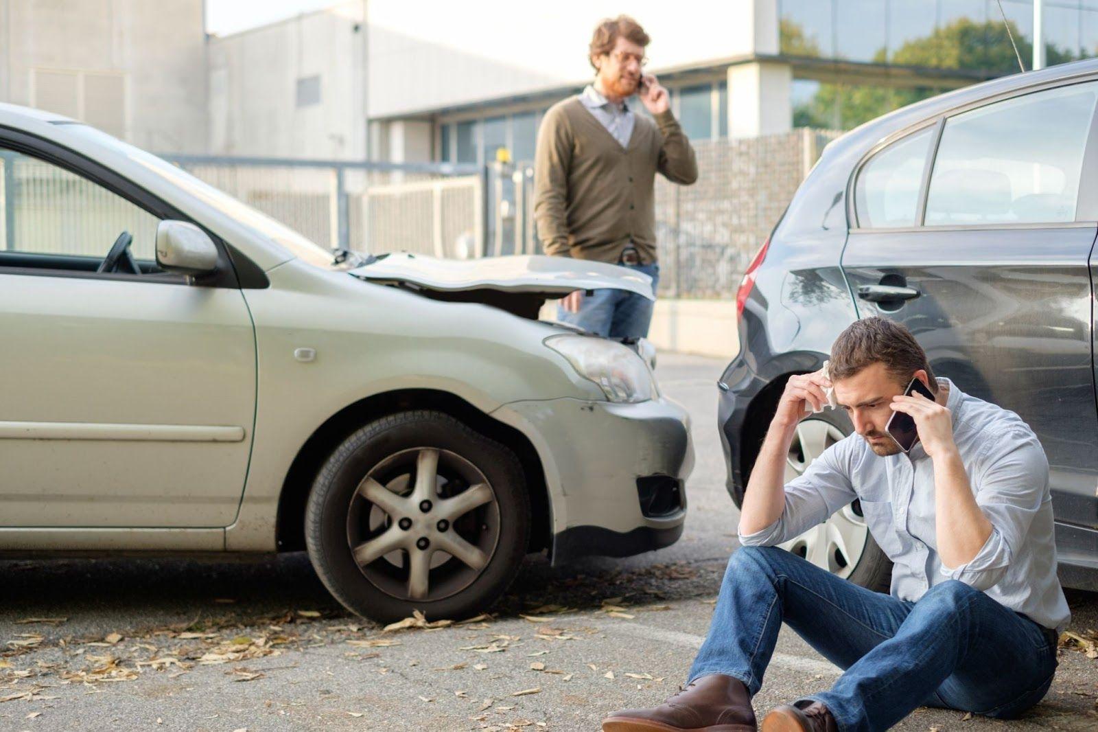 ¿Qué debo hacer si tengo un accidente automovilístico?