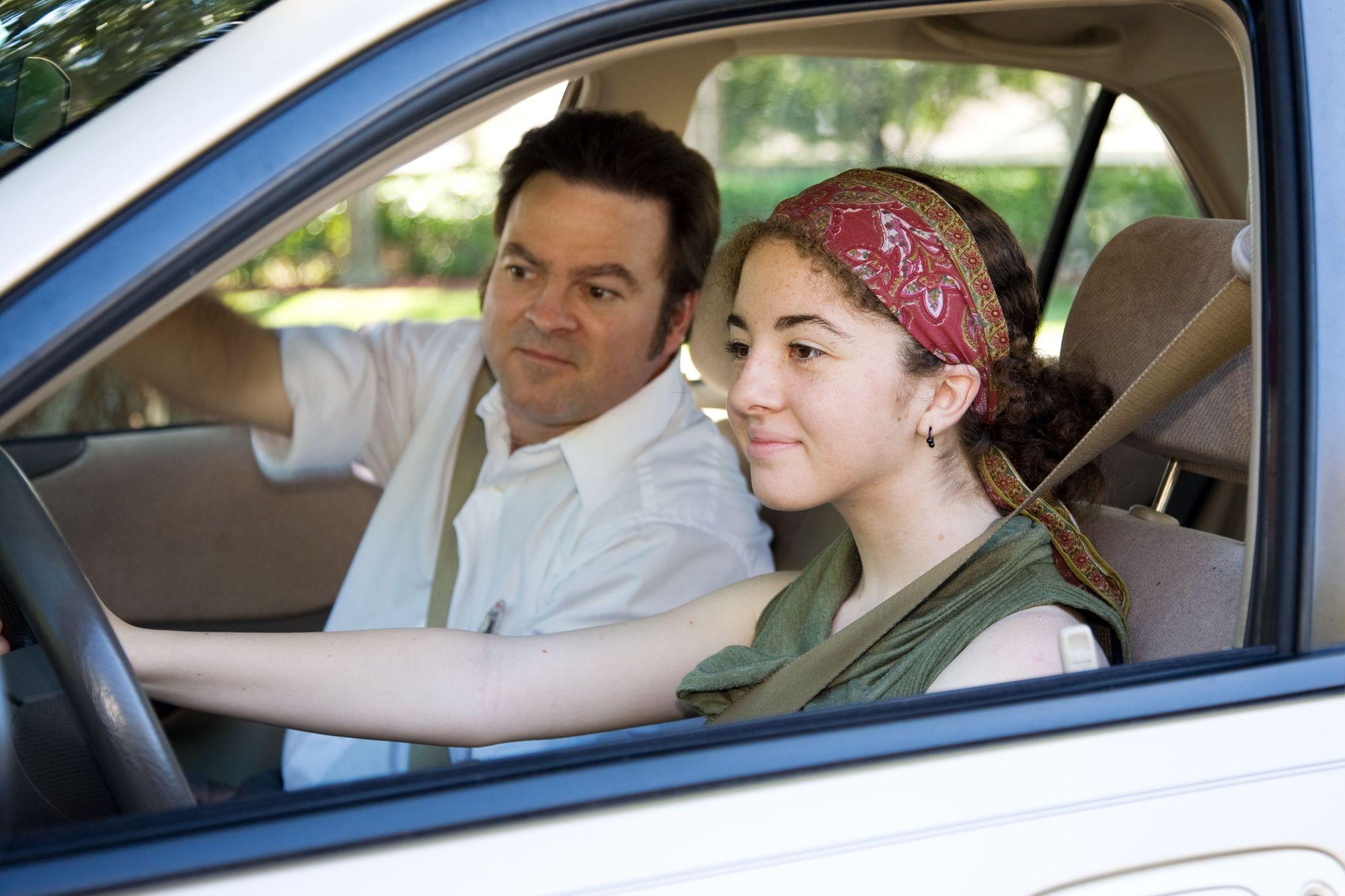 Adolescentes pueden prevenir accidentes al manejar