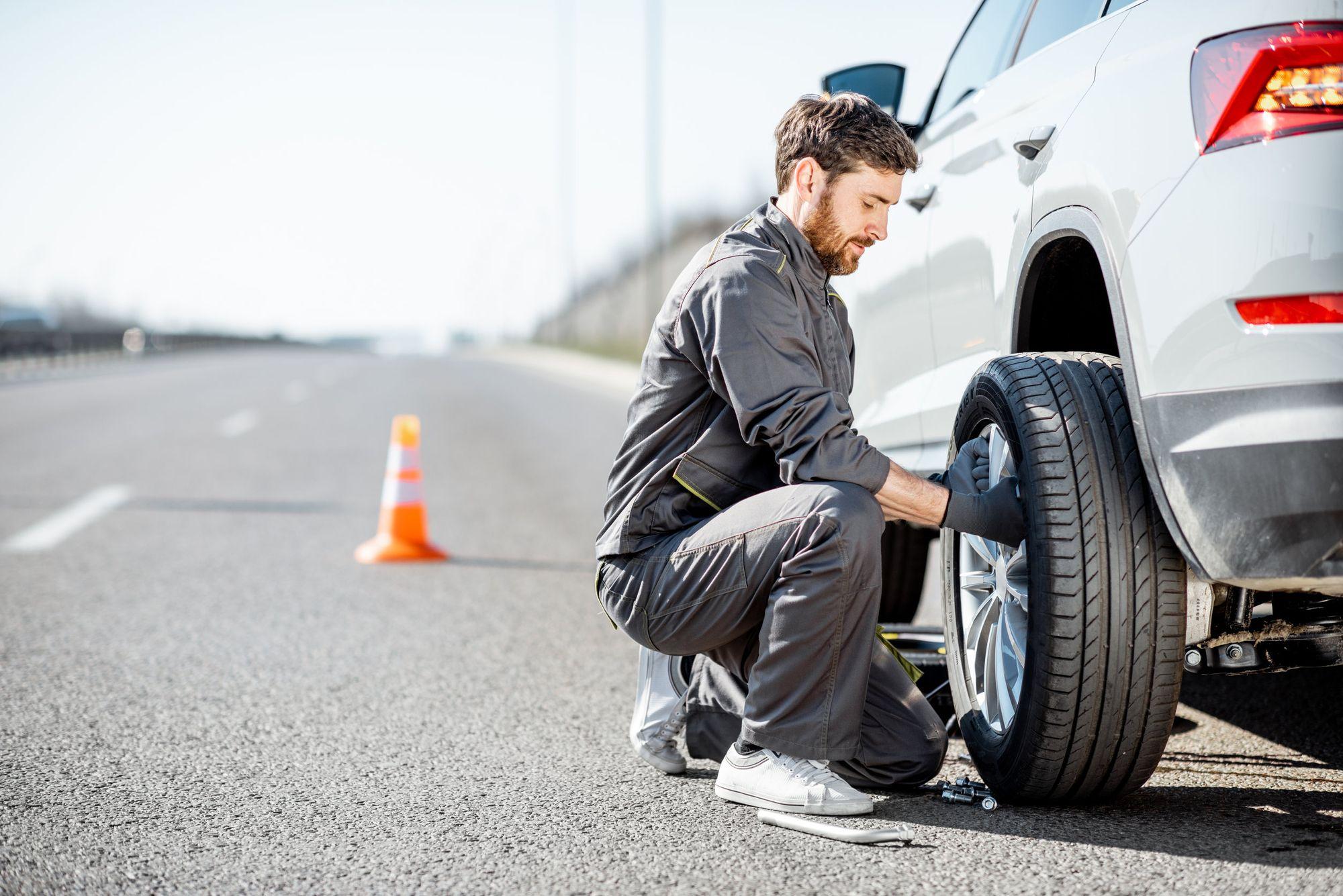 Pasos para cambiar un neumático y sus cuidados de mantenimiento