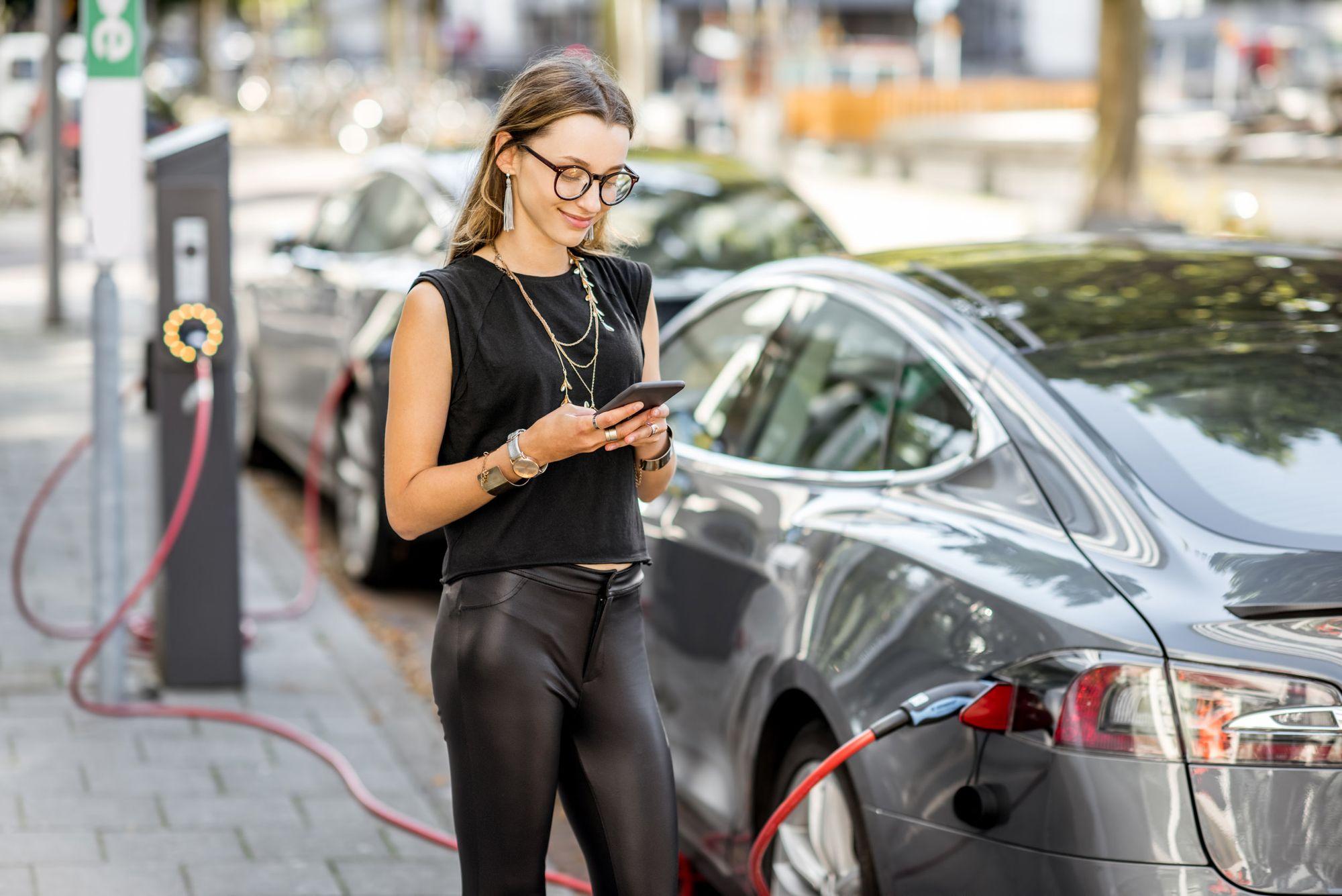 Seguro de auto para autos eléctricos o híbridos en Dallas Texas