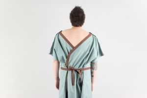 Gown Radiology 170 gsm 3 Extra Large Green Choc Trim