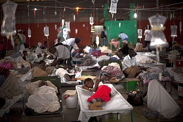 Autoridades haitianas elevan a 1,603 los muertos por el cólera