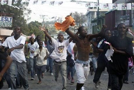 Candidatos haitianos aseguran que siguen en carrera electoral pese a