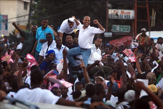 OEA avala las elecciones en Haití y dos candidatos piden que siga el proceso