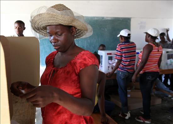 Finaliza la jornada electoral presidencial y legislativa en Haití