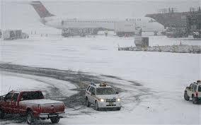 Aeropuertos de NY recuperan su actividad habitual tras la nevada