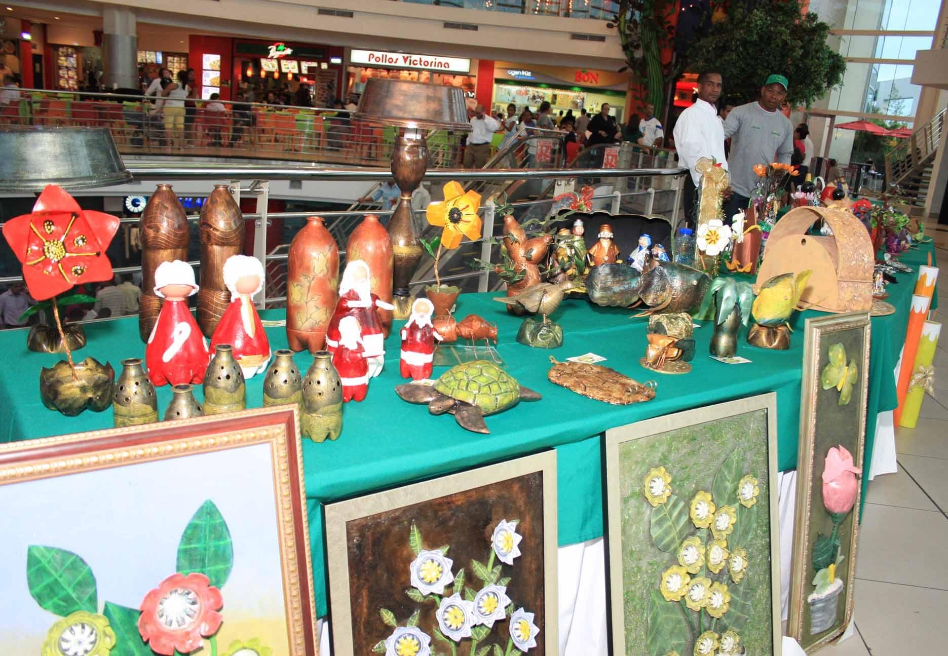 """Exhiben artículos artesanales en Feria """"Reciclarte"""""""
