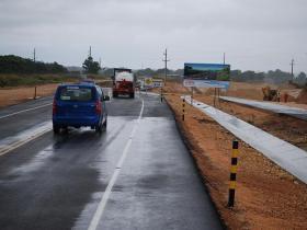 Obras Públicas inicia el asfaltado de la Autopista del Coral
