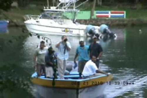 Marina y Fuerza Aérea siguen buscando desaparecidos de naufragio en Río San Juan
