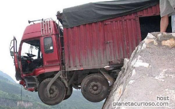 Impactante imagen!!!: Sobrevive después de que le fallaron los frenos