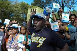Desalojan a trabajadores que intentaron protestar frente al Palacio Nacional