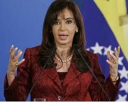 Fernández cumple tres años de Gobierno sin cambiar rumbo marcado por Kirchner
