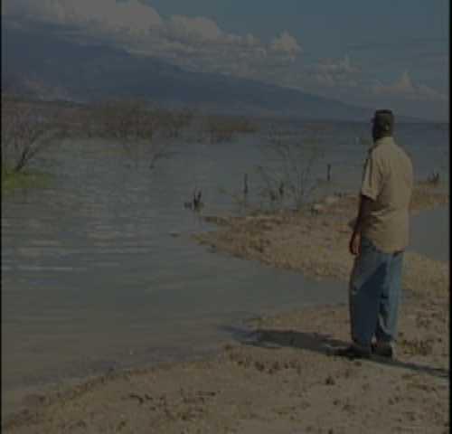 Agricultores y ganaderos abandonan tierras por inundaciones del lago Enriquillo
