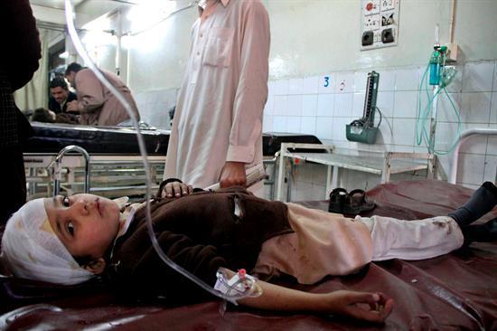 Al menos 22 muertos y 35 heridos en un ataque suicida contra una comisaría en Pakistán