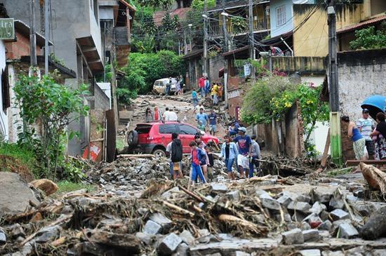 Asciende a 237 el número de muertos por temporal de lluvias en Río de Janeiro