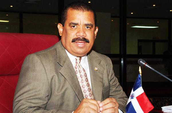 Irregularidades en AERODOM llegan a US$308 millones, según senador Sánchez Roa