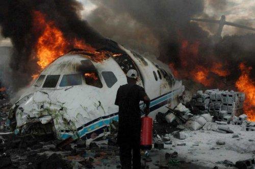 Mueren dos personas al estrellarse avioneta en el centro de Florida