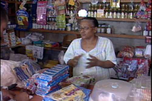 Dominicanos con el grito al cielo por alzas en canasta familiar; organizaciones recrudecerán protestas