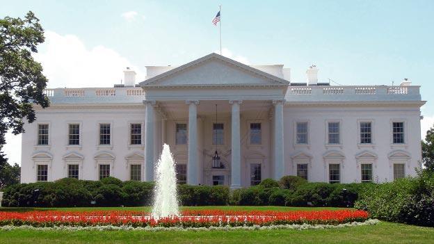 EE.UU. debe cambiar su política en Afganistán tras muerte Bin Laden, dice Kerry