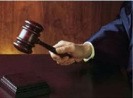Condenado a un año de cárcel por abusar sexualmente de mujer dormida en avión