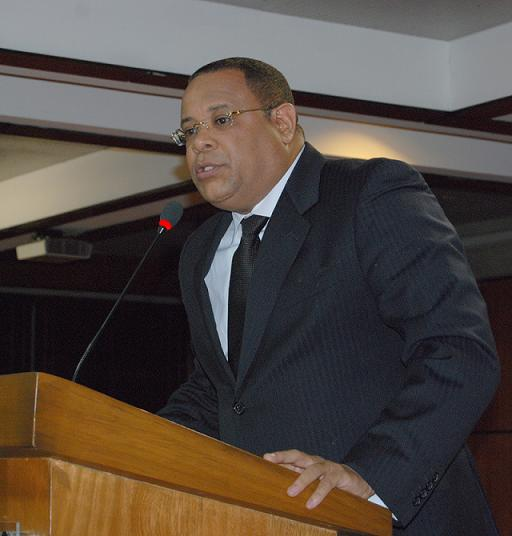 Abogados piden a diputados superar tranque y aprobar Tribunal Constitucional